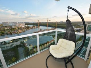 Miami  2BD/2B Luxury Water view Amazing 23 !! - Hollywood vacation rentals