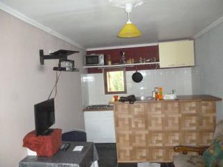 petite  MAISON 70 M2 AVEC JARDIN 30 min de bordeaux - Lugon-Et-L'Ile-Du-Carnay vacation rentals