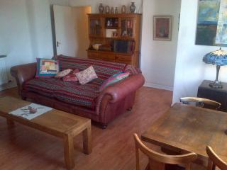 2 bedroom House with Internet Access in Liverpool - Liverpool vacation rentals