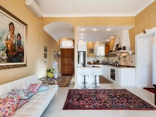 Ortigia Suite Apartment in Syracuse to let, self catered apartment syracuse, central syracuse apartment for 4 - Syracuse vacation rentals