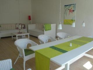 Vacation Apartment in Woelpinghausen - 1722 sqft, modern, bright, comfortable (# 5126) - Wiedenbruegge vacation rentals
