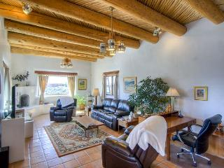 HOUSE OF THE LAUGHING BEAR - Taos vacation rentals