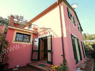 Bright 3 bedroom Chiavari House with Deck - Chiavari vacation rentals