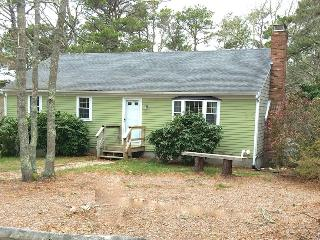 Charming 4 bedroom House in Brewster with Deck - Brewster vacation rentals