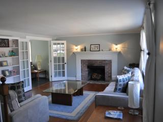 Beautiful Cape House in Hyannis - West Barnstable vacation rentals