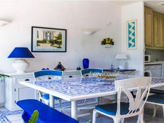 Villa Azuli, Amazing 4 Bedroom in Cannes - 5 Minutes to Town Center - Cannes vacation rentals
