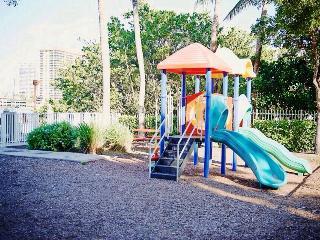 sunny isles beach pent house sleeps 6/beach/pool!! - Sunny Isles Beach vacation rentals