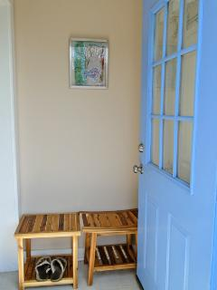 Sweet Seaside cottage... love nest or family haven - Hyannis vacation rentals