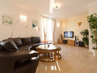 DESIGN APARTMENT BELLEVUE - Porec-Kufci vacation rentals