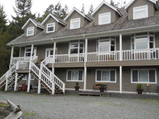 BEAUTIFUL COUNTRY VILLA Apt., Sooke/ Victoria BC. - Sooke vacation rentals