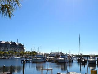 Panoramic Views, 4 Walkable Balconies, Resort - Ruskin vacation rentals