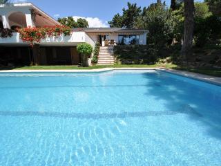 VILLA YUCA NORTH COAST BARCELONA - Riells i Viabrea vacation rentals
