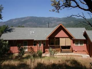 Yosemite by Way Bass lake Elegant Mtn Home - Yosemite National Park vacation rentals