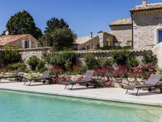 Charming 1 Bedroom with Hot Tub, Aubignane Le Moulin aux Lavandes - Lachau vacation rentals