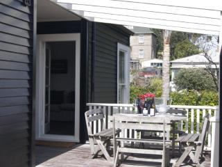 Nice 1 bedroom Devonport Cottage with Internet Access - Devonport vacation rentals