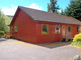 Nice 4 bedroom Drumnadrochit Chalet with Internet Access - Drumnadrochit vacation rentals