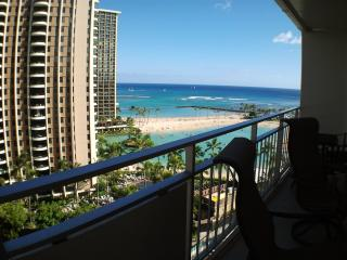 Ocean view and steps to the beach = paradise. - Honolulu vacation rentals
