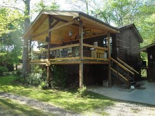 Wild Bills River Escape Garden hot tub/gem mines - Franklin vacation rentals