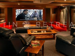 ULTRA LUXURY 4 BEDROOM/5 BATH (VL2) PRIVATE CINEMA & SWIMMING POOL! - Patagonia vacation rentals