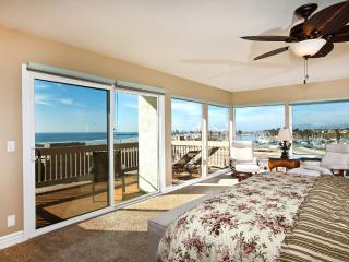 Panoramic Paradise~3 BR Penthouse, Stunning Views! - Oceanside vacation rentals