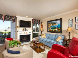Seaside Cottage~Walk Out to Your Patio and Yard! - Oceanside vacation rentals