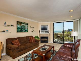 Dolphin's Cove~Top Floor West-Facing Ocean View! - Oceanside vacation rentals