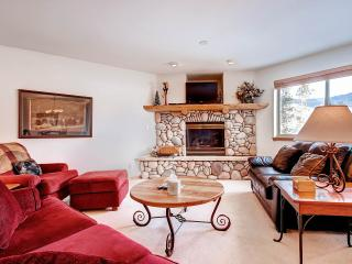 LOOKOUT RIDGE Dog-Friendly 3 Bed/4 Bath Gorgeous Townhome with Garage and W/D, Perfectly Located Near Seven Ski Areas - Dillon vacation rentals