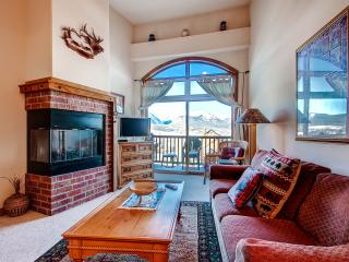 DILLON COMMONS: SW Style Condo in Downtown Dillon, Studio-type 1 Bed/1 Bath, W/D, and Awesome View! - Dillon vacation rentals