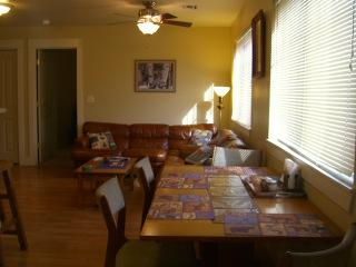 Dining room and living room - HAPPY TRAILS VACATION CONDO - Bozeman - rentals