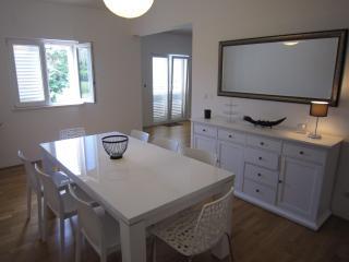 DUBROVNIK cosy apartment near pebble beach - Kupari vacation rentals