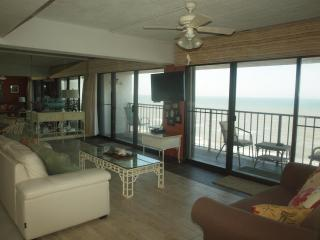 Dreamer's Paradise By The Sea - 2 Balconies!!!! - Dickinson vacation rentals