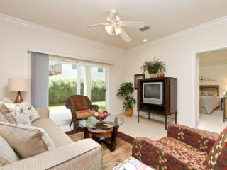 2 bedroom Apartment with Shared Outdoor Pool in South Padre Island - South Padre Island vacation rentals