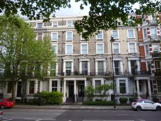 HYDE PARK HARRODS BALCONY FLAT12 double 5bed4bath in Kensington - London vacation rentals