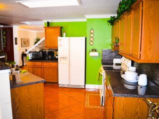 Charming Sea World Retreat or Corporate Rental - San Antonio vacation rentals
