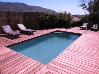 'Skildersgat' - a tranquil spacious retreat for 2 - Clovelly vacation rentals