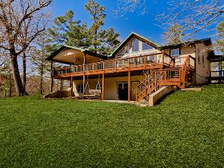 Perfect House with Deck and Internet Access - Eureka Springs vacation rentals