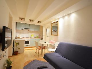 Apartment in Rovinj old town, 5 minutes from the beach - Rovinj vacation rentals