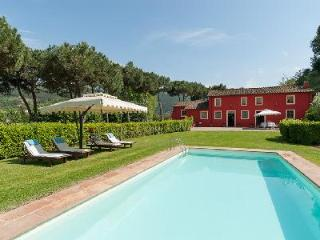 Restored Il Frantoio with olive grove gardens, valley views, floodlit pool & chef and maid - Vorno vacation rentals