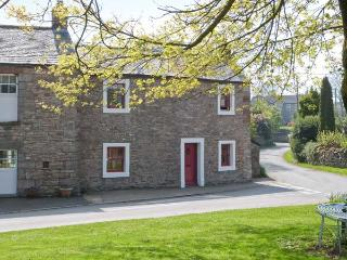 CORNER COTTAGE, stone-built, end-terrace, character features, woodburner, enclosed lawned garden, in Great Strickland, Ref 905605 - Great Strickland vacation rentals