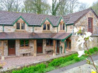 THE BARN, terraced barn conversion, on working farm, parking, in Llangollen, Ref 906208 - Denbighshire vacation rentals