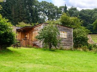 THE GARDEN LODGE, all ground floor, pet-friendly lodge in Llanyblodwel near Oswestry Ref 911979 - Hadnall vacation rentals