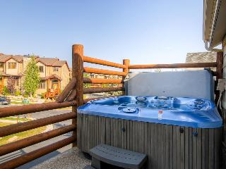 Home w/private hot tub, fireplace; shared pool & fitness - Park City vacation rentals