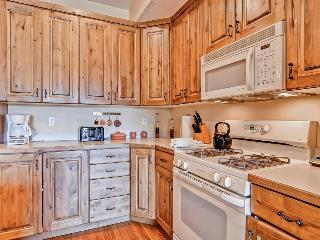 Home for 11 w/private hot tub; mountain views & fireplace - Park City vacation rentals