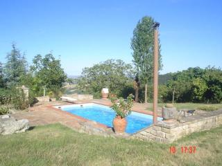 Country House with Swimming Pool - Penna San Giovanni vacation rentals