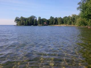 Lakeside Canadian Cottage 1 Hour from Toronto - Lake Simcoe vacation rentals