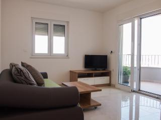 Apartment Pivac with sea view 4+1 - Makarska vacation rentals