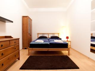 Dandy House - Budapest - Apartment for 8 people - Budapest & Central Danube Region vacation rentals