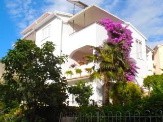 Large Apartment near Beach and City Centre - Pula vacation rentals
