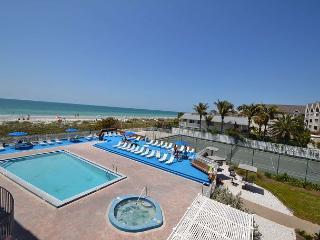 Reef Club 203 - Spacious Gulf view 3 bdrm - Beach, Pool, Spa, BBQ, Tennis - Indian Rocks Beach vacation rentals