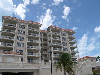 La Vistana 700 -  Fabulous 7th floor corner condo with bay and Gulf Views! - Redington Shores vacation rentals